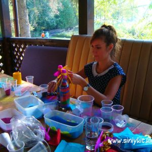 dekor-butylki-raznocvetnym-peskom 16