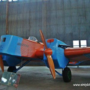 ekskursiya-v-avia-angar-nau-fotootchet 10