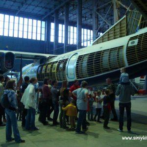 ekskursiya-v-avia-angar-nau-fotootchet 16