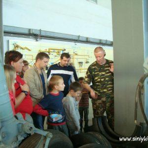 ekskursiya-v-avia-angar-nau-fotootchet 3