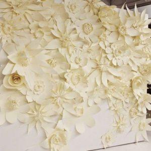 Бумажный цветочный стенд