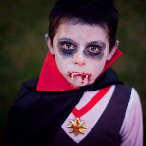 Аквагрим-или-роспись-лица-на-Хэллоуин