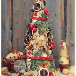 decorative-christmas-trees-with-their-hands-3
