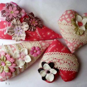 Текстильные сердечки-валентинки