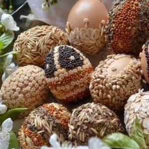 Пасхальные ЭКО-яйца - декор крупой и семенами_1